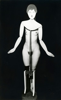 man-ray-portemanteau-(coat-stand)