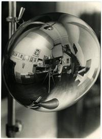 man-ray-self-portrait-in-the-studio-31-bis,-rue-campagne-première